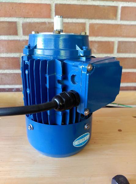 Motor eléctrico de 250 vatios ó 0,33 hp