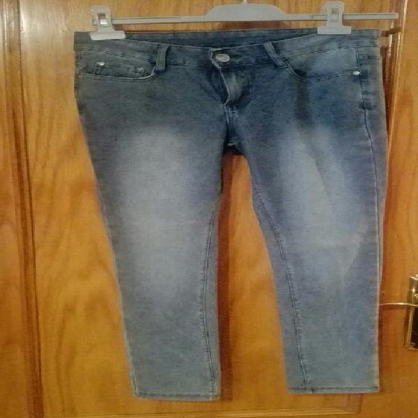 Pantalón vaquero chica t.36 ó 13-15 años.