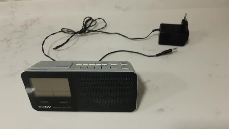 Radio despertador sony icfc705
