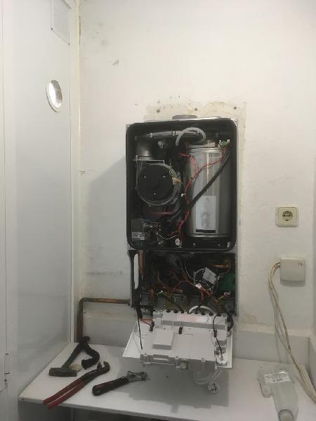 Reparación de caldera. fontanería calefaccion gas