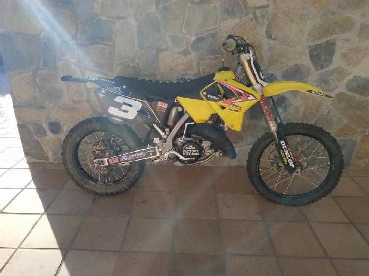 Suzuki rm 125 2t moto de cross motocross