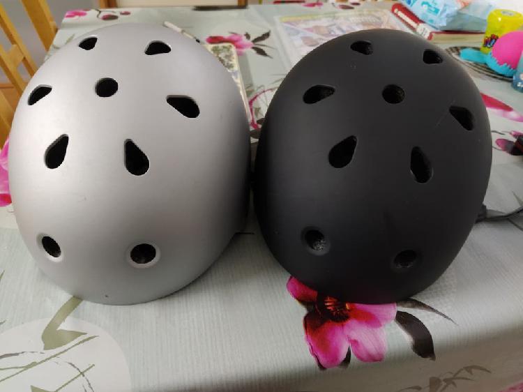 Cascos nuevecitos para patinete skate o bici