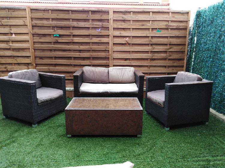 Conjunto sofás y mesa jardín