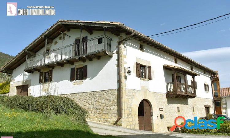 Caserón de piedra espectacular en olaiz - casa karakotxea -