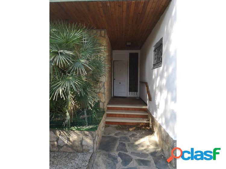 Casa independiente de 4 dormitorios, precioso jardín en mas oliva roses