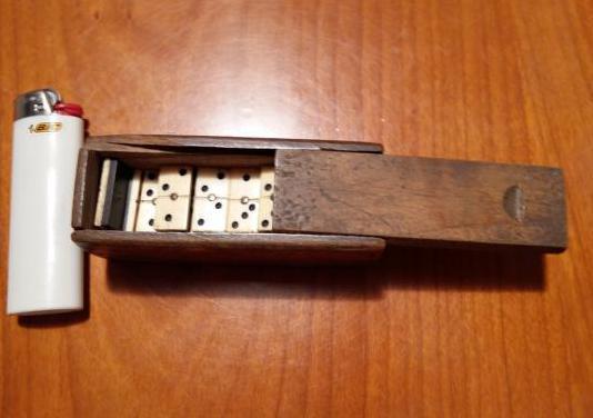 Antiguo juguete mini domino