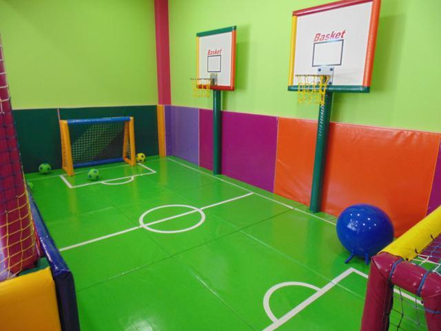 Parques infantiles y camas elasticas
