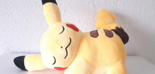 Peluche pikachu durmiendo 20 cm