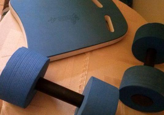 Tabla y dos pesas en material ligero para niños/pl