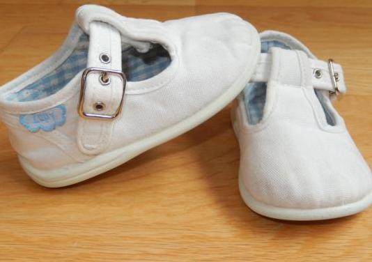 Zapatillas bebé niño niña 19