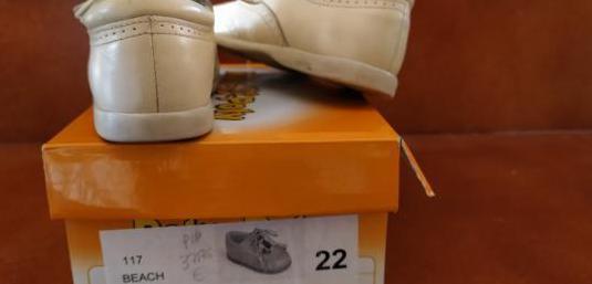 Zapatos piel niño número 22