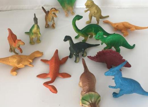 Dinosaurios14_animal plástico