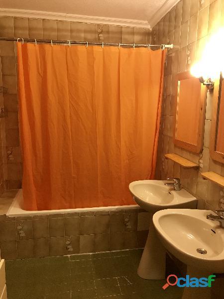 Se alquila 1 Habitación DOBLE con 2 camas individuales 10
