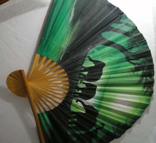 Abanico pintado a mano medidas 1,50 x 90