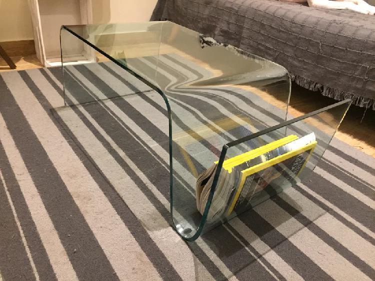 Mesa de centro, cristal con porta revistas.
