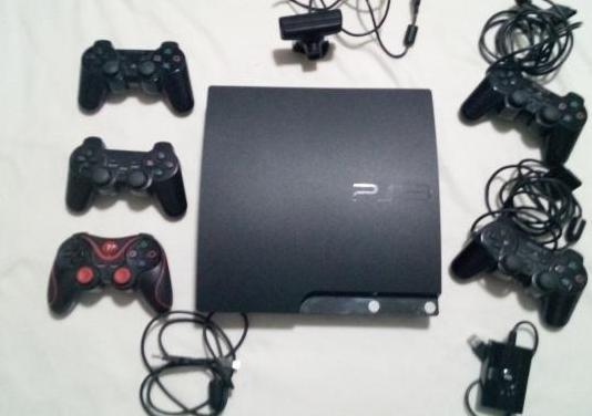 Playstation 3 slim 320 gb 5 mandos cámara