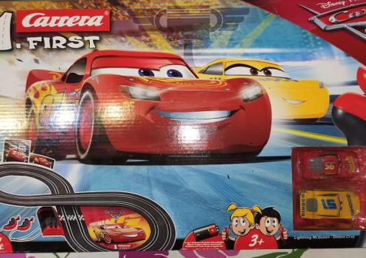 Scalextric carrera first rayo mcqueen a pilas