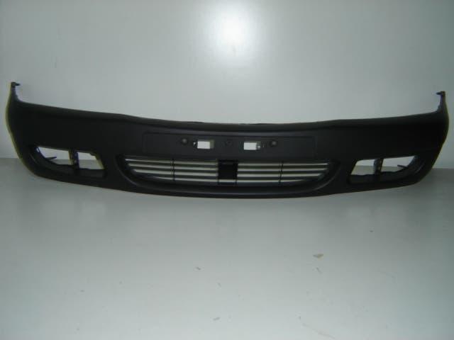 Toyota corolla 2000 paragolpes frontal negro con h