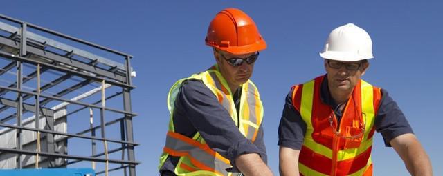 Trabajadores urgentes en ingeniería y construcción