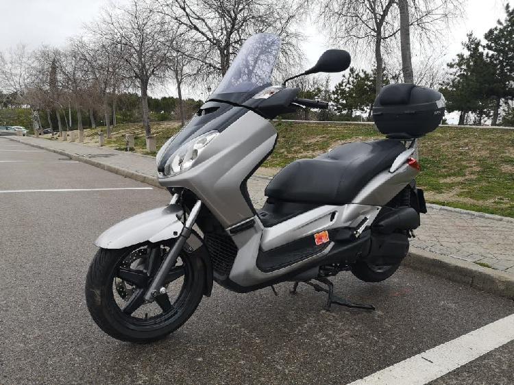 Yamaha x-max 125 2007 muy cuidada
