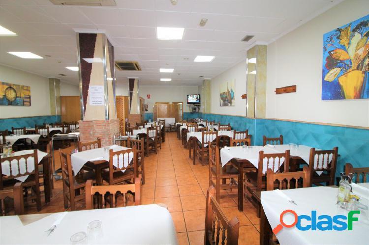 Restaurante en pleno funcionamiento en venta por jubilación