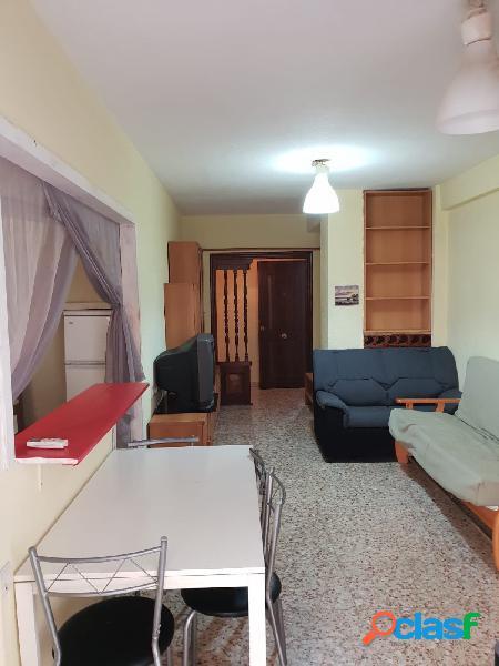 Apartamento con dos dormitorios a 80m2 de la playa de los locos