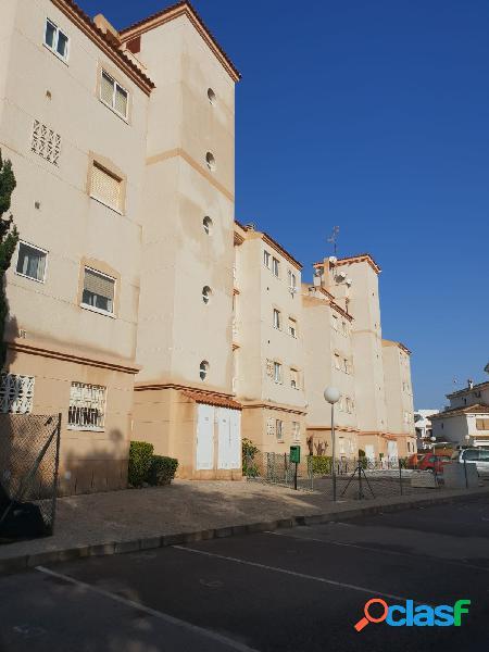 Estupendo apartamento con parking incluido y 3 dormitorios