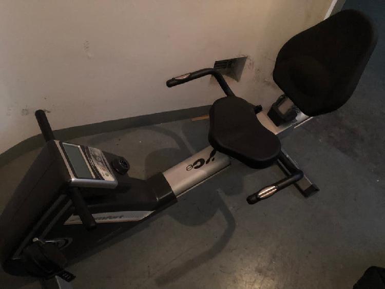 Bicicleta estática bh fitness h855