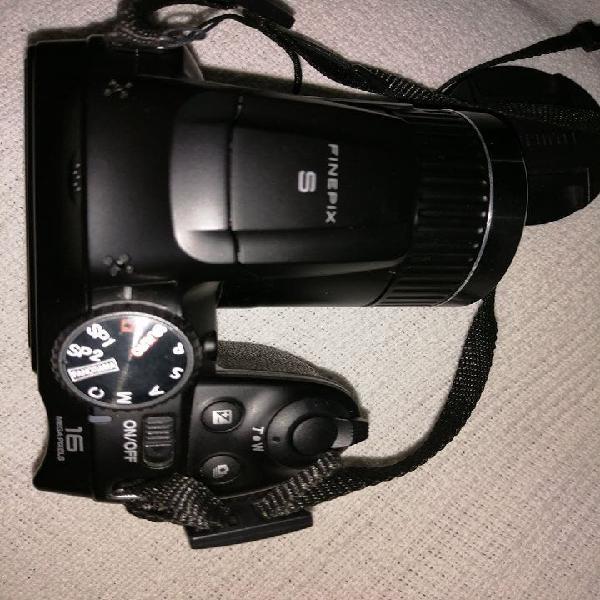 Camara de fotos automatica fujifilm como nueva.