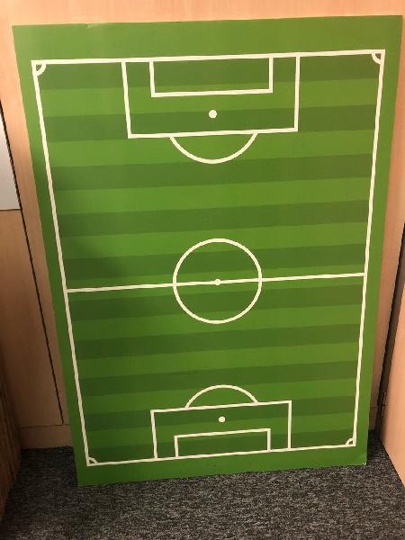 Campo de fútbol en cartón pluma