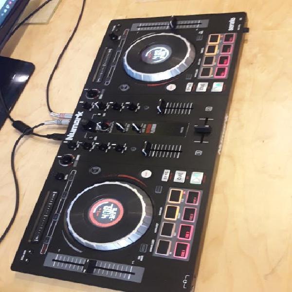 Controladora dj numark mixtrack platinium