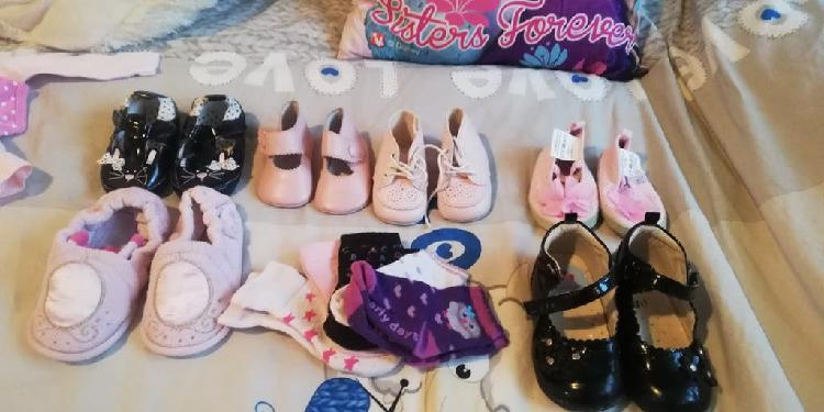Lote zapatos bebé niña 10€