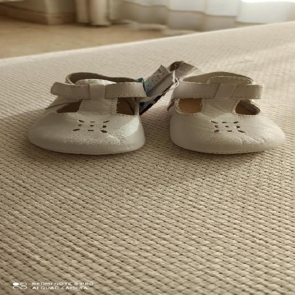 Pares de zapatos bebé