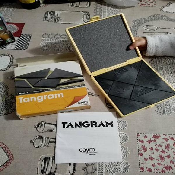 Tangram con caja dura
