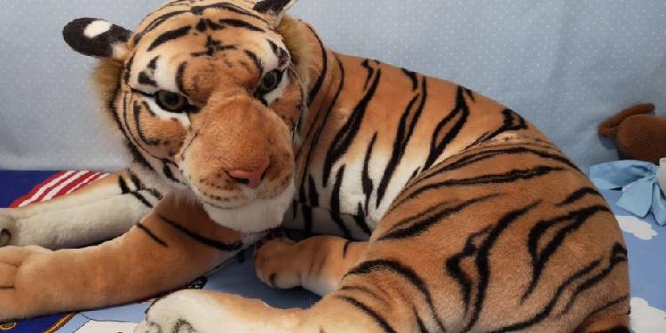 Tigre peluche realista