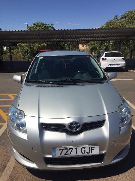Toyota auris automatico y levas en el volante.
