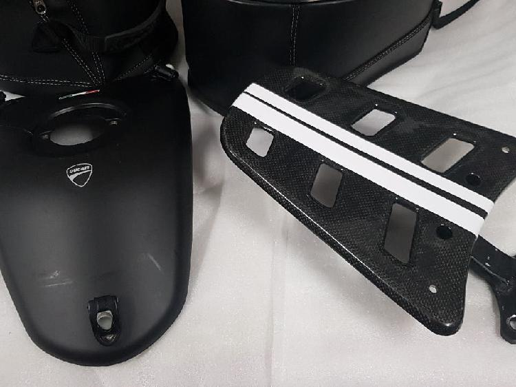 bolsas sobredeposito Ducati performance Hypermotar