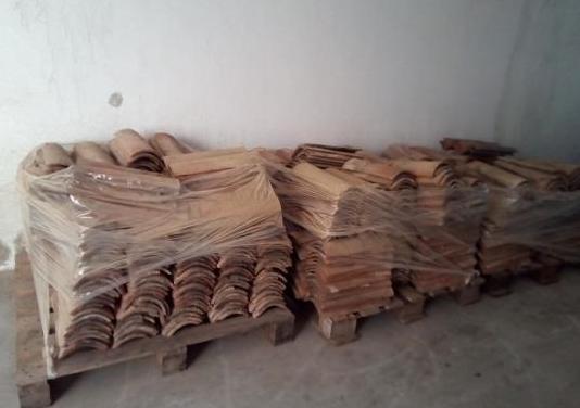 3000 tejas árabes, curvas, usadas.