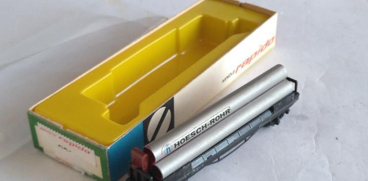 Arnold n vagón plataforma con tubos, en caja, válido