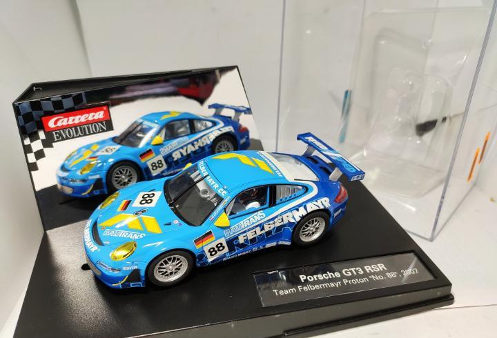 Carrera evolution porsche gt3 rsr n°88 ref. 27260