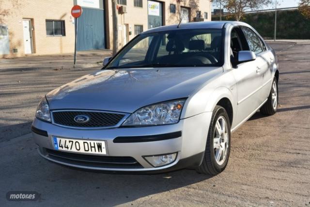 Ford mondeo ghia de 2005 con 224.000 km por 2.600 eur. en