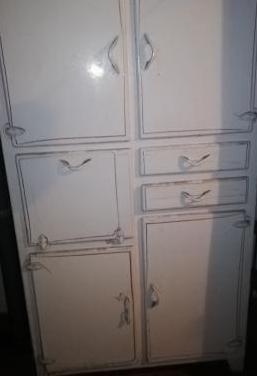 Mueble de cocina antiguo