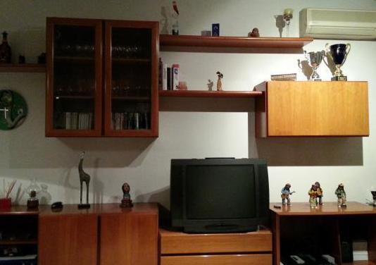 Muebles salon,mesa, sillas, aparador y mesa centro