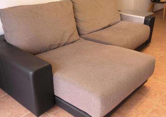 Sofá cama de sancal y bandeja auxiliar