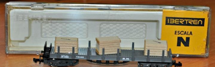 Vagón teleros 4 ejes gris con cajas de ibertren, ref. 436.