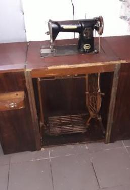Antigua maquina coser singer