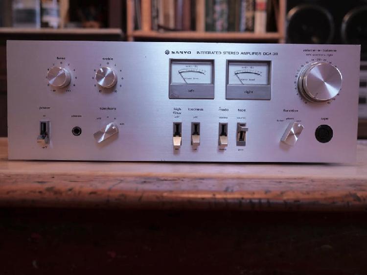 Amplificador sanyo dca-311