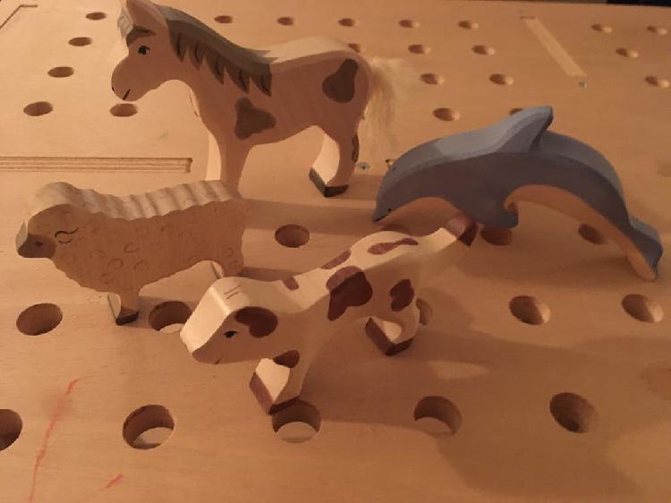 Animales holztiger delfin caballo perro y oveja