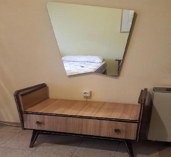 Comodin vintage + espejo medidas: 70 x 92 x 50