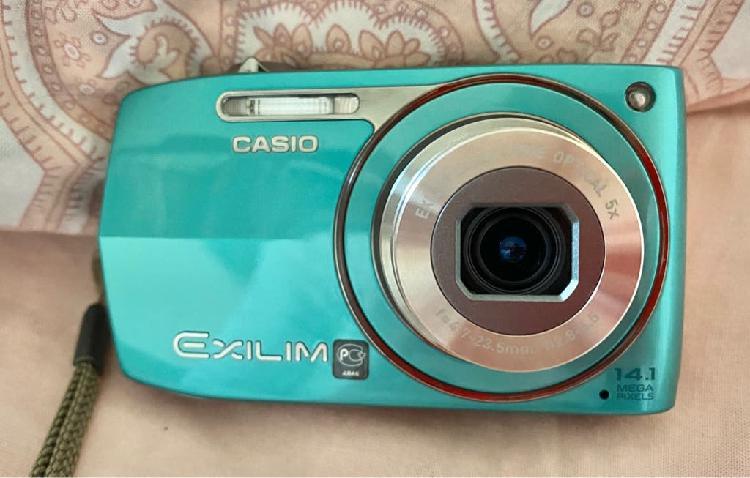 Cámara de fotos digital Casio Exilim